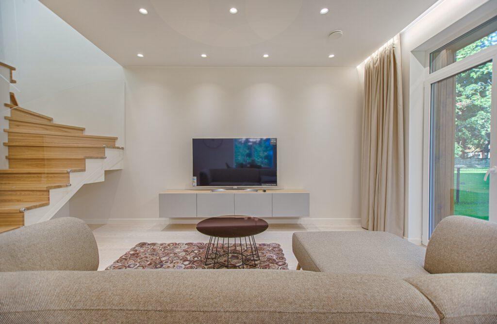 mango tv meubel